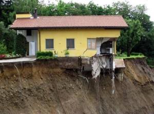 """I geologi: """"dal 2003 in Italia costruite oltre 258.000 case illegali. E il rischio sismico? Il rischio idrogeologico?"""""""