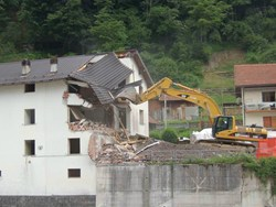 Geologi: dal 2003 ad oggi costruite oltre 258.000 case illegali
