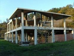Abusivismo edilizio, un mercato da 19 miliardi