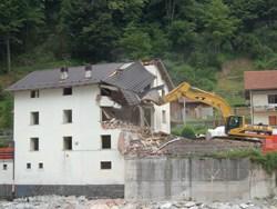 Dal Governo un disegno di legge per demolire gli immobili abusivi