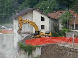 Immobili abusivi in zone a rischio: 10 milioni di euro per demolirli