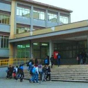"""Terremoto in Abruzzo, la truffa della scuola """"Ricostruita senza metà delle fondamenta"""""""