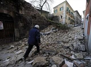 L'Aquila, il terremoto spaventa tutti…tranne i governi