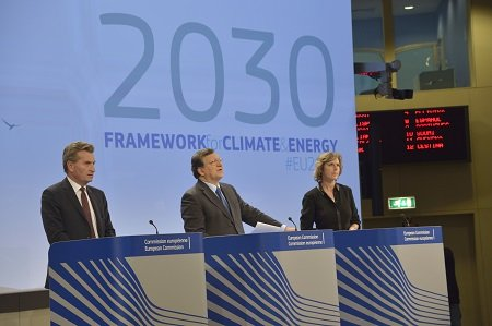 Vertice Ue, raggiunto accordo sul pacchetto clima: gas serra ridotti del 40% entro il 2030