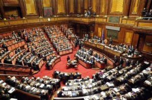 Doppie poltrone in Parlamento, rivincita di Cantone su ordini professionali
