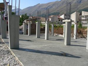 Niente opere in cemento armato ai geometri: una sentenza conferma la competenza di ingegneri e architetti