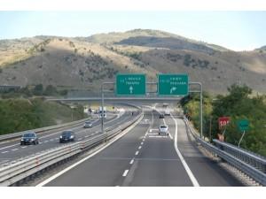Riforma appalti, tutti i lavori delle concessionarie autostradali andranno in gara