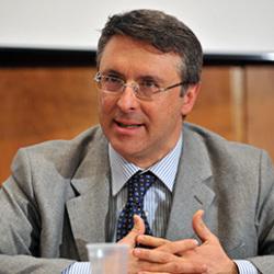 Delega appalti, doppi poteri a Cantone: regolatore e controllore