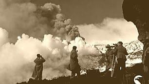 Guardate il risveglio del vulcano