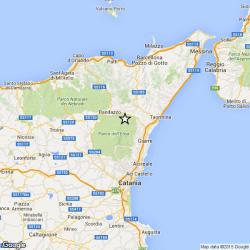 Etna, sciame sismico. Decine di scosse fratturano il manto stradale