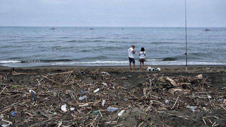 Ogni 54 chilometri di costa un pezzo di mare è inquinato