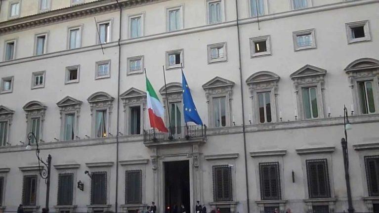 Renzi: «ecobonus e sismabonus al 65% prorogati di un anno». Oggi nasce Casa Italia