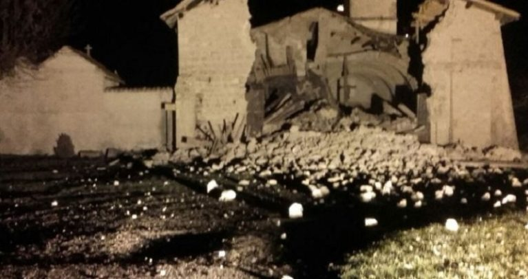 Doppia scossa di terremoto in Centro Italia, a rischio monitoraggi e prima ricostruzione ad Amatrice
