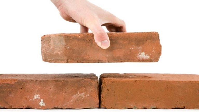 Titoli edilizi, su inizio e fine lavori le Regioni «seguono» le norme statali