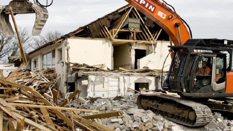 Immobili abusivi, Ddl in Senato: prima le demolizioni sulle aree tutelate