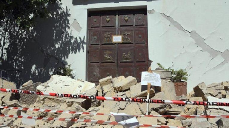 Terremoto, operative le prime squadre di geologi