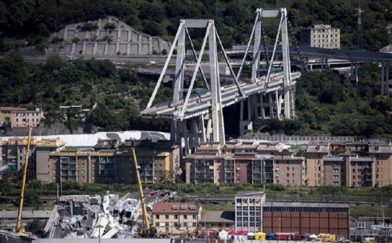 """Crollo Ponte Genova, tiranti """"ridotti del venti per cento"""": Ministero e Autostrade sapevano"""