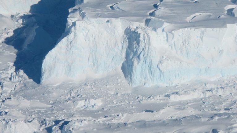 """La Nasa scopre grotta al Polo: """"Può uccidere l'ecosistema"""""""