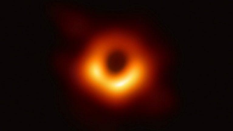 Fotografato un buco nero. Una svolta per la scienza