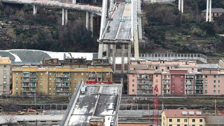 """L'uomo che deve vigilare su ponti, strade e ferrovie: """"Non mi fanno lavorare"""""""