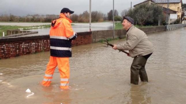 Nella Toscana ferita dalla pioggia la terra è una poltiglia