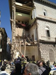 Crollo a Napoli, parlano i geologi: fare chiarezza sui lavori della metro