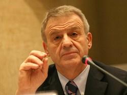 Efficienza energetica e sviluppo sostenibile, Clini scrive a Grillo