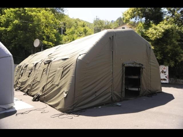 Notti in tenda, maturità nei container