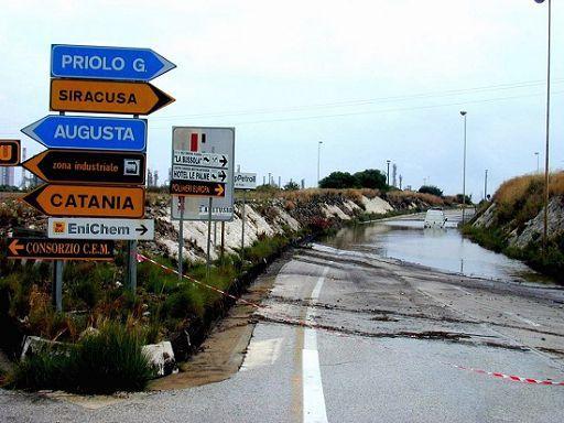 Frane e alluvioni senza fine, 12mila vittime in 100 anni
