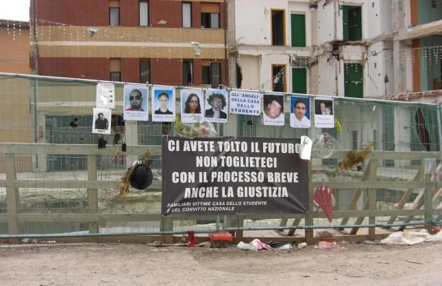 Studenti morti nei crolli un premio per ricordarli