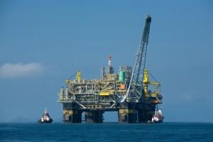 Petrolio, metano, tubi e rigassificatori il Governo prova a riaccendere l'energia