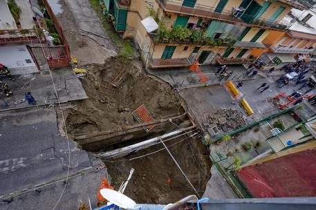 Voragine, i geologi si offrono: «Una mappatura del rischio sottosuolo»