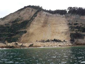 Erosione e frane il mare cancella la costa campana