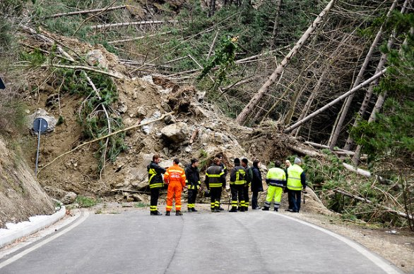 Dissesto, D'Angelis: «Stop emergenze, in 8 mesi aperti oltre 780 cantieri»