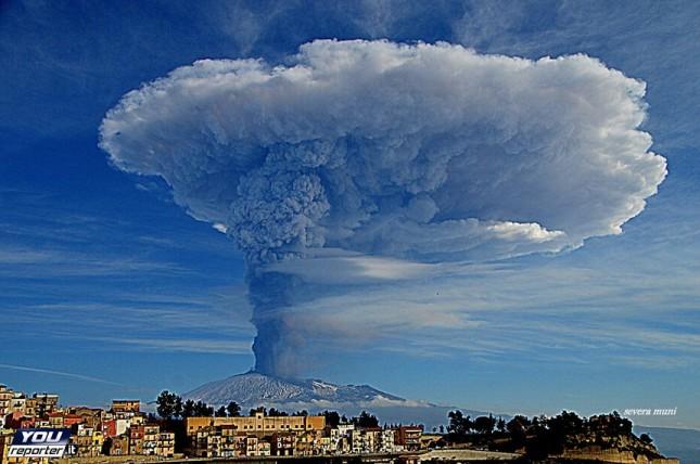 Il rischio Etna (per adesso) è contenuto
