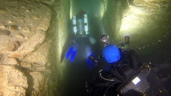 Una Stonehenge sprofondata nel Garda