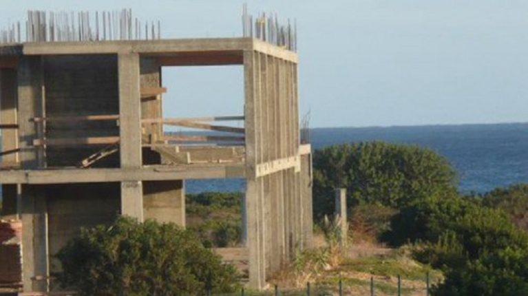 Abusivismo edilizio, sull'annullamento della sanatoria il Consiglio di Stato impone prudenza alla Pa