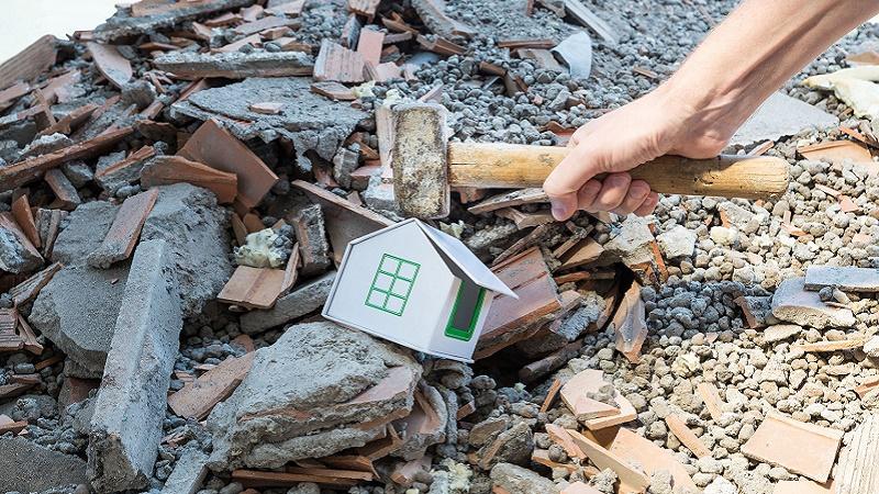 Il flop demolizioni nell'Italia degli abusi