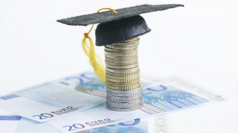 Negato a 50 mila studenti il diritto a borse di studio