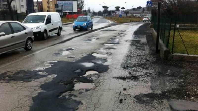 """Il geologo: """"No ai 'rattoppi', a Roma servono strade nuove"""""""