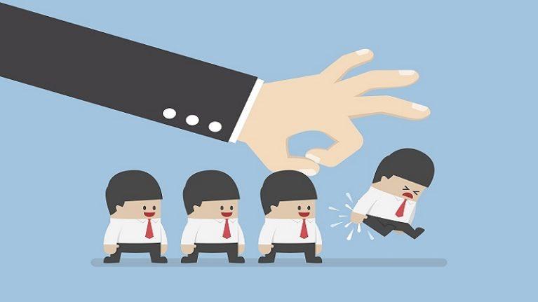 È giusto escludere dalla gara l'impresa che nell'offerta tecnica fa trapelare elementi economici