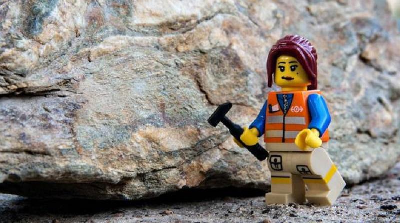 Anche in provincia venerdì il geologo sale in cattedra