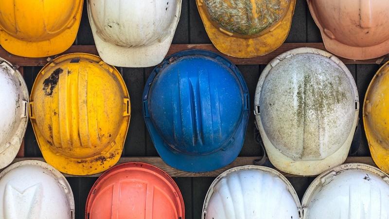 Sicurezza nei cantieri, un ddl chiede di vietare i ribassi delle tariffe professionali