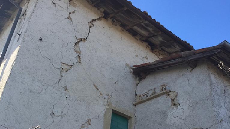 Sblocca-cantieri. Appalti senza gara per la ricostruzione privata nel Centro Italia