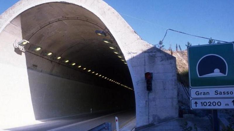 Chiude il traforo del Gran Sasso: Abruzzo spaccato a metà
