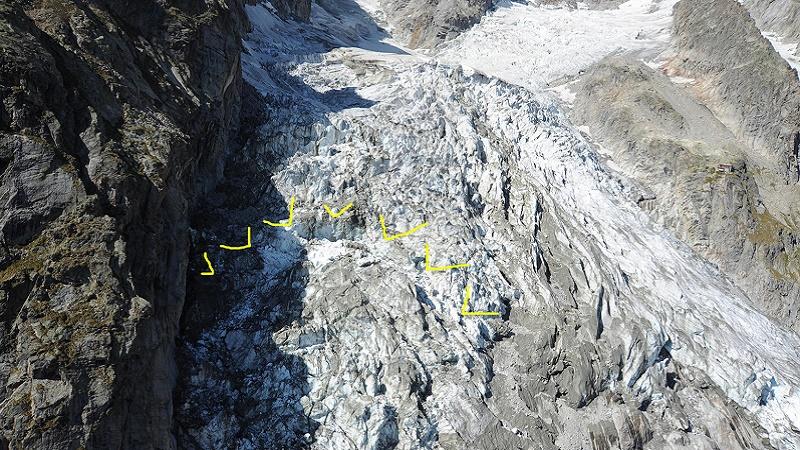 """Il ghiacciaio di Courmayeur minaccia di scivolare a valle """"Fa mezzo metro al giorno"""""""