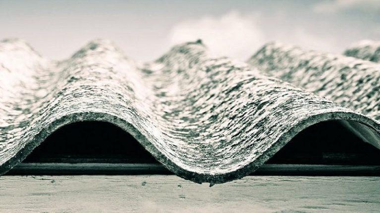 Il decreto FER1 è davvero un addio all'amianto? Le insidie nascoste nel Regolamento Operativo del GSE